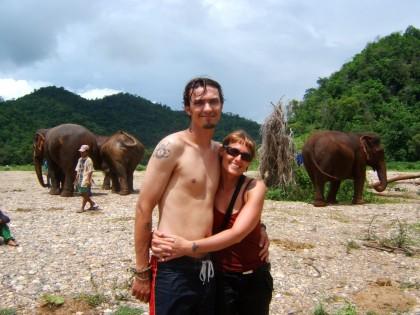elephantsbathingjenandjonno